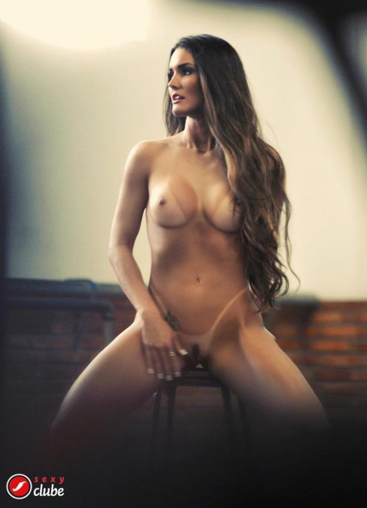 Carol Muniz Nude