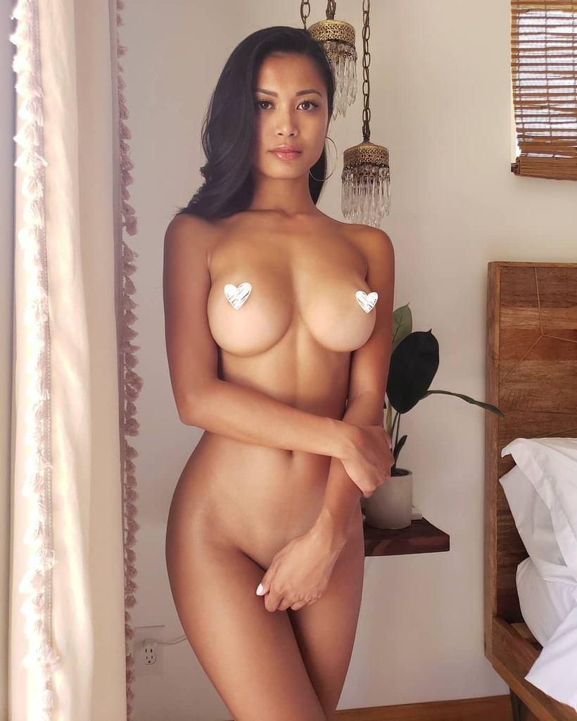 Chanel Uzi Naked
