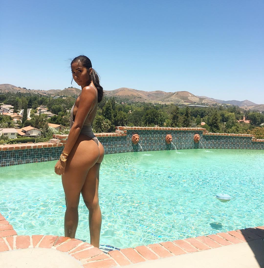 Apryl Jones Nude 19