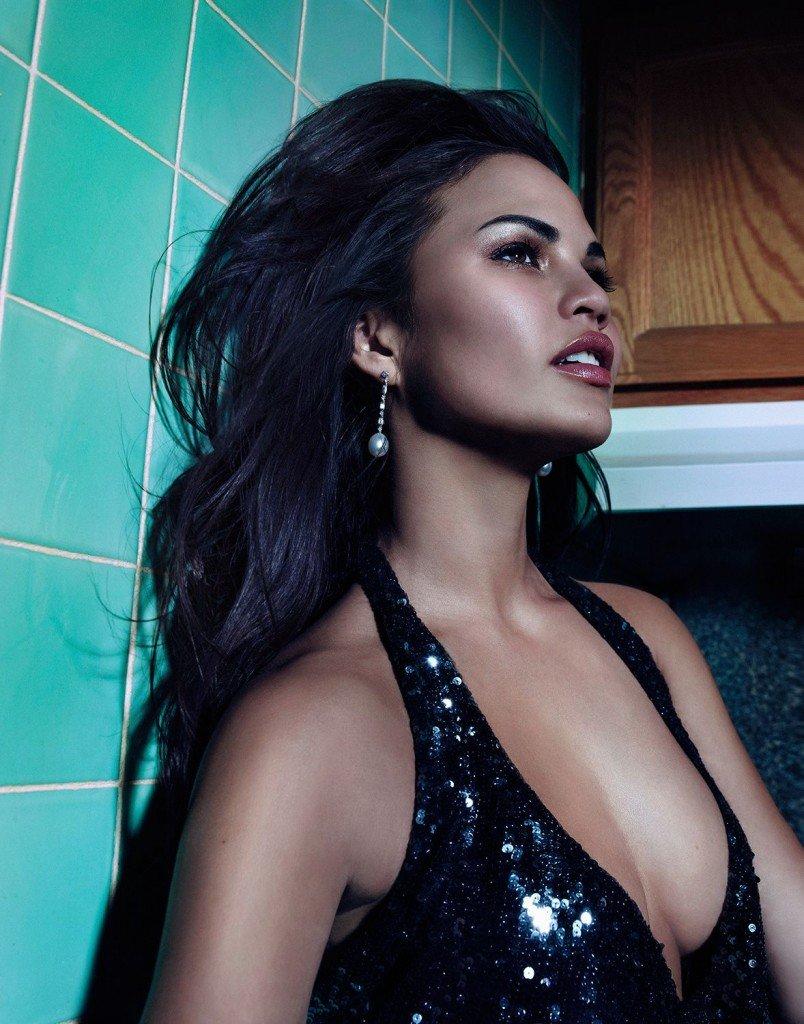 Chrissy Teigen Sexy & Topless 3