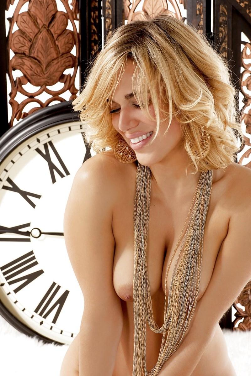 Lana nude
