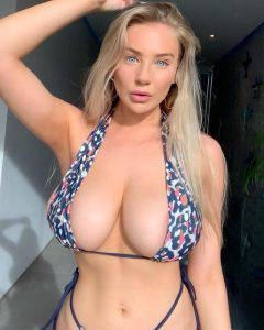 Bethany Lily April Topless Nudes