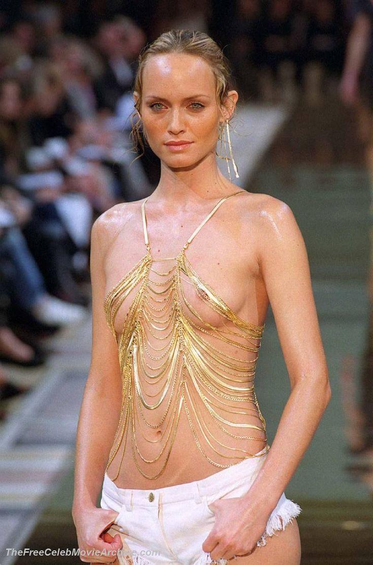 Amber Valletta Nude Tits