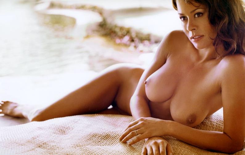 Brooke Burke Nude Firm Boobs