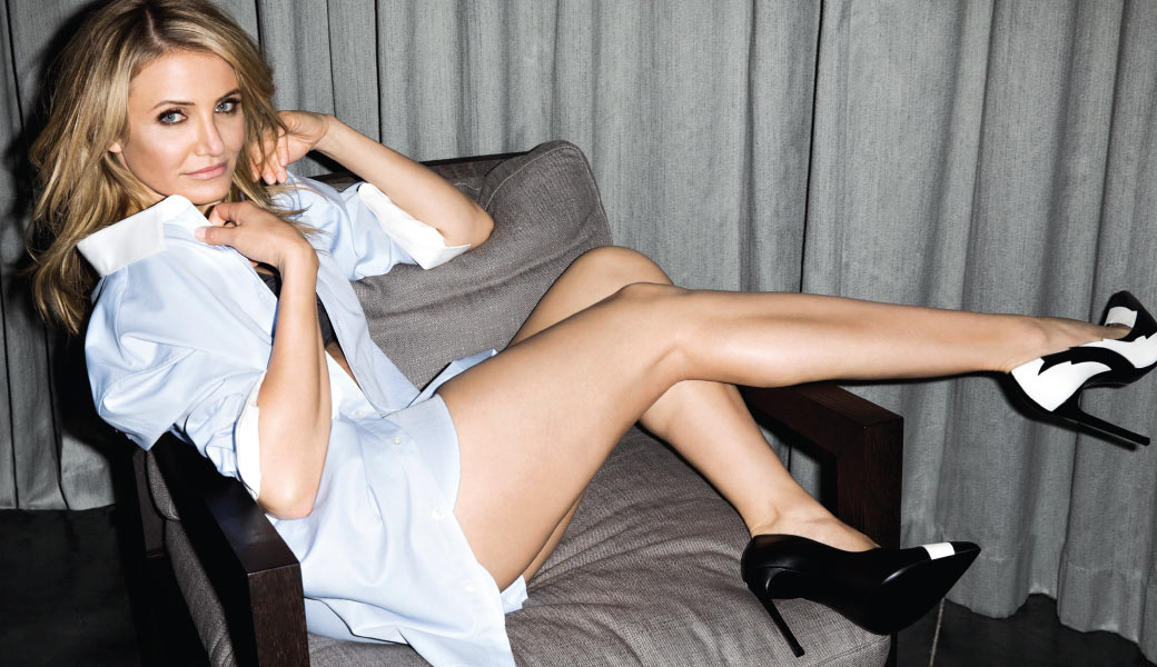 Cameron Diaz Half-Nude in Very Sexy and Hot Edition