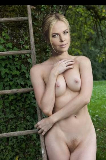 Charlize Theron Completely Nude Pussy and Tits