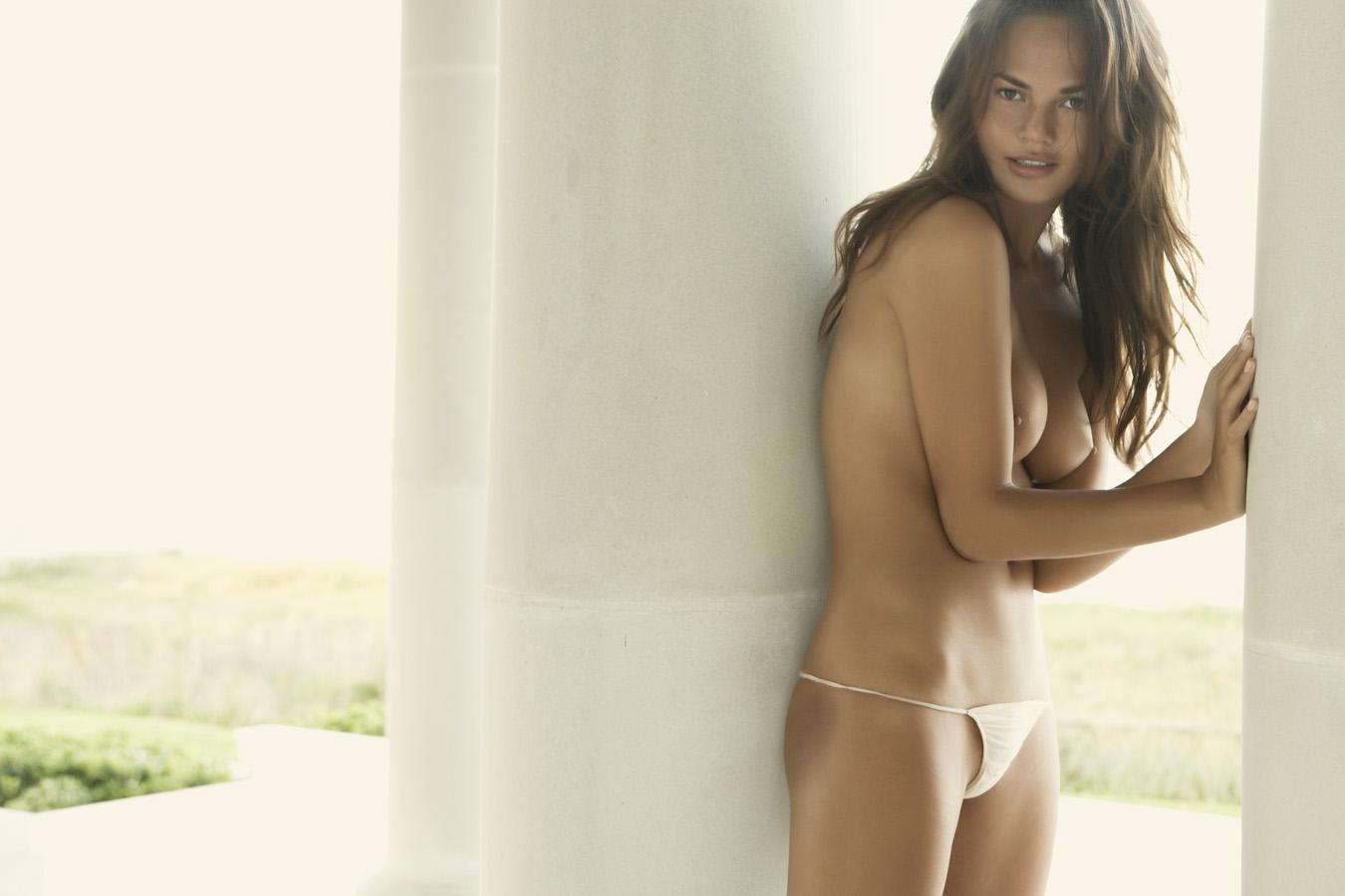 Chrissy Teigen Nude Big Boobs and Very Tight Panties