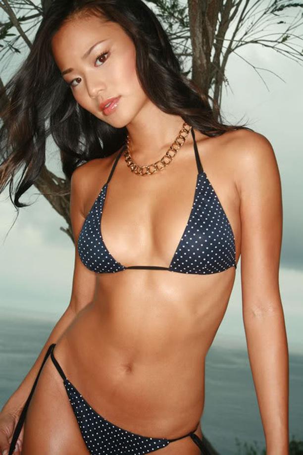Jamie Chung In Sexy Hot Bikini