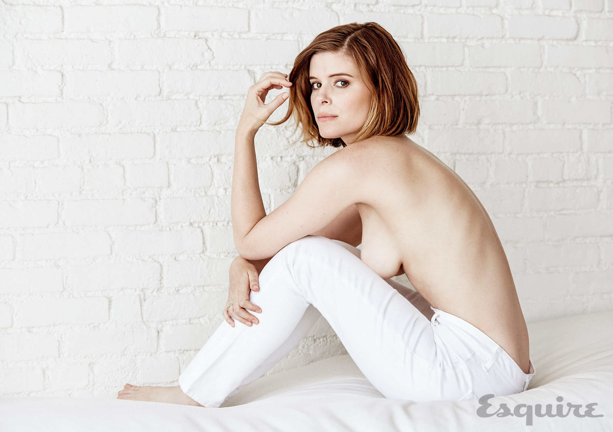 Kate Mara Nude Tits For Sexy Photo Session