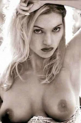 Kate Winslet Nude Boobs Photo When she was Younger