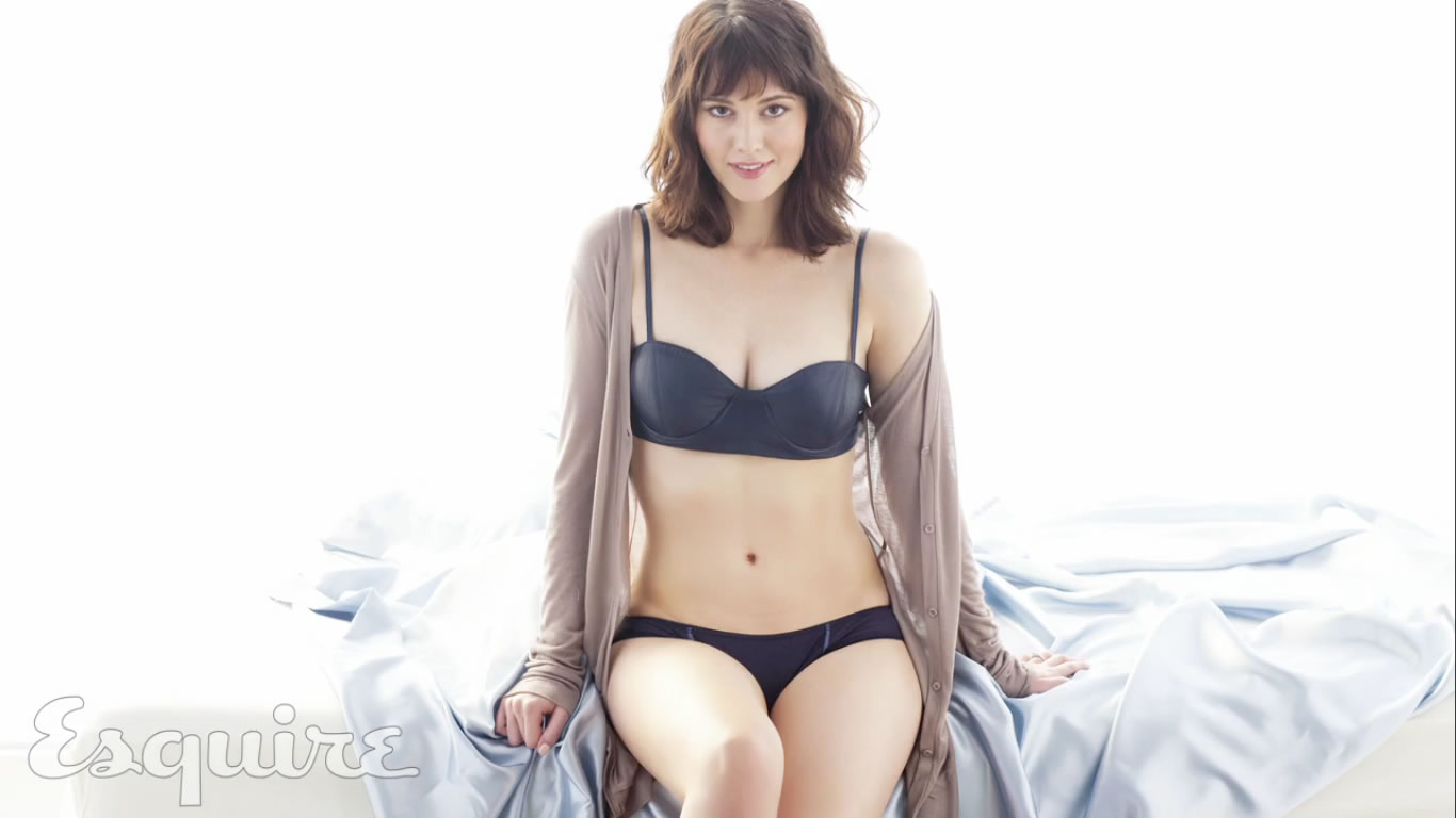 Mary Elizabeth Winstead Hot In Sexy Lingerie