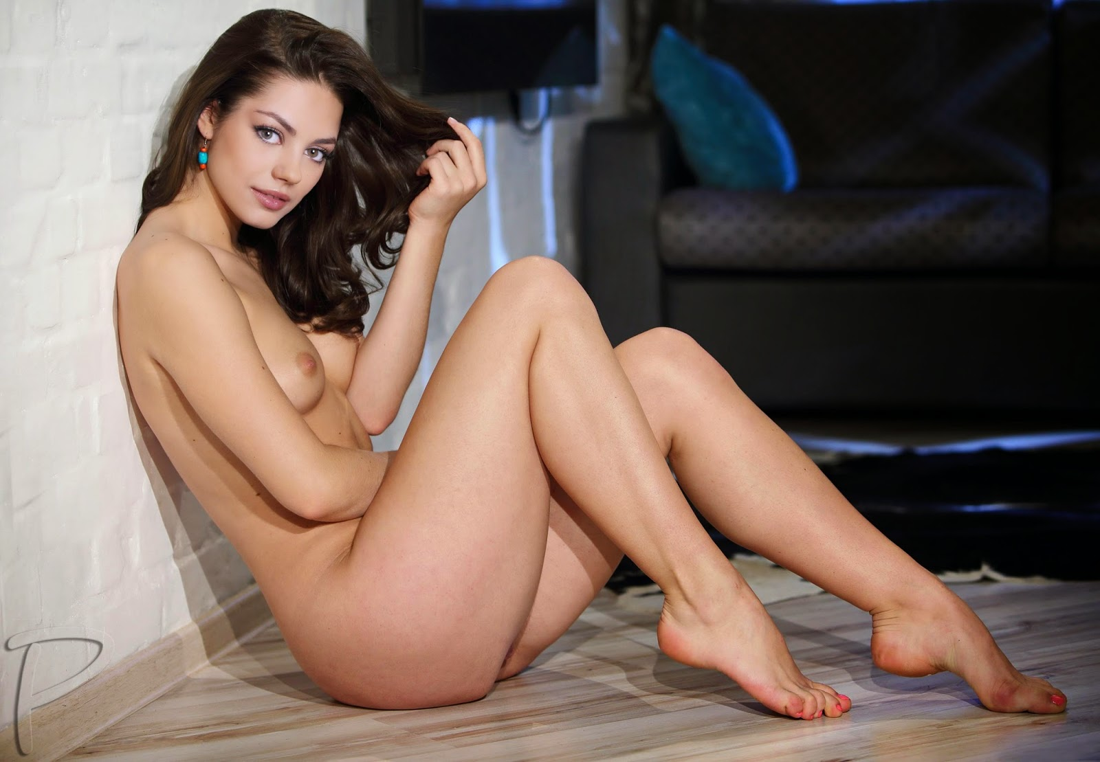 Mila Kunis Nude and Hot Posing