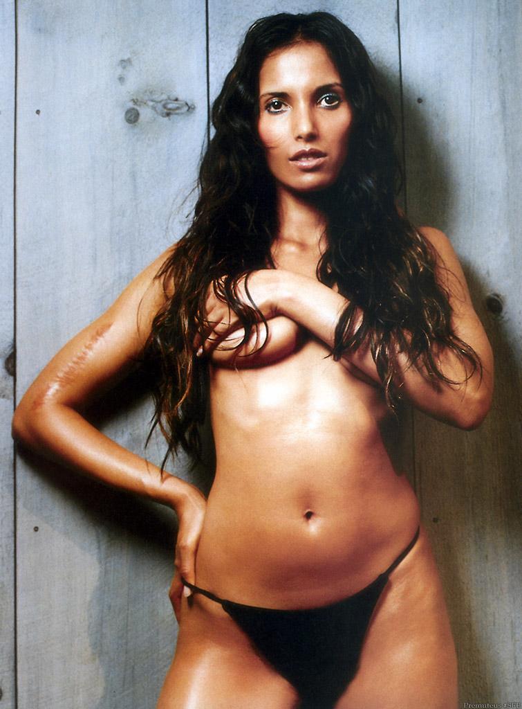 Padma Lakshmi Covering her Nude Tits