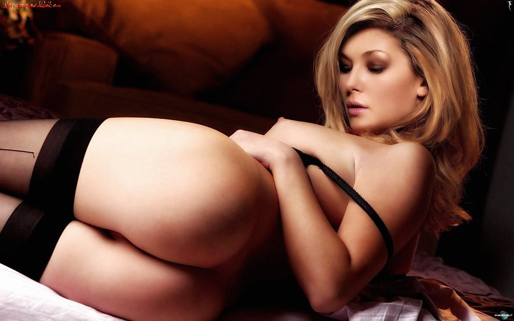Rosamund Pike Nude Leaked Magazine Photo