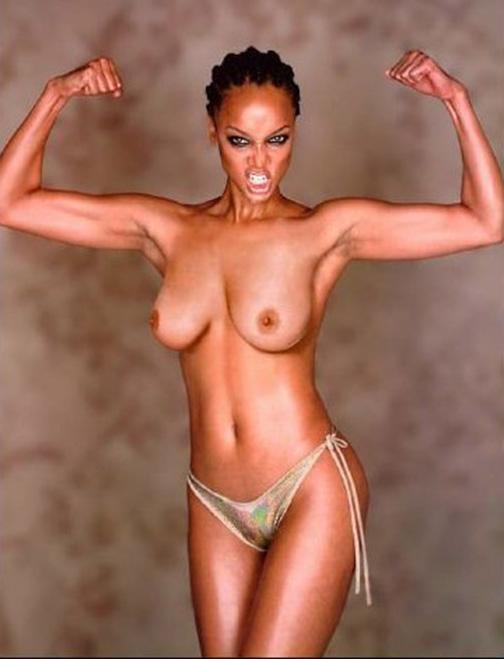 Tyra Banks Nude Posing in Topless