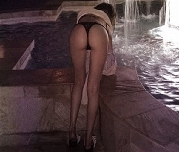 Willa Holland Half Nude Bent Over in Thong