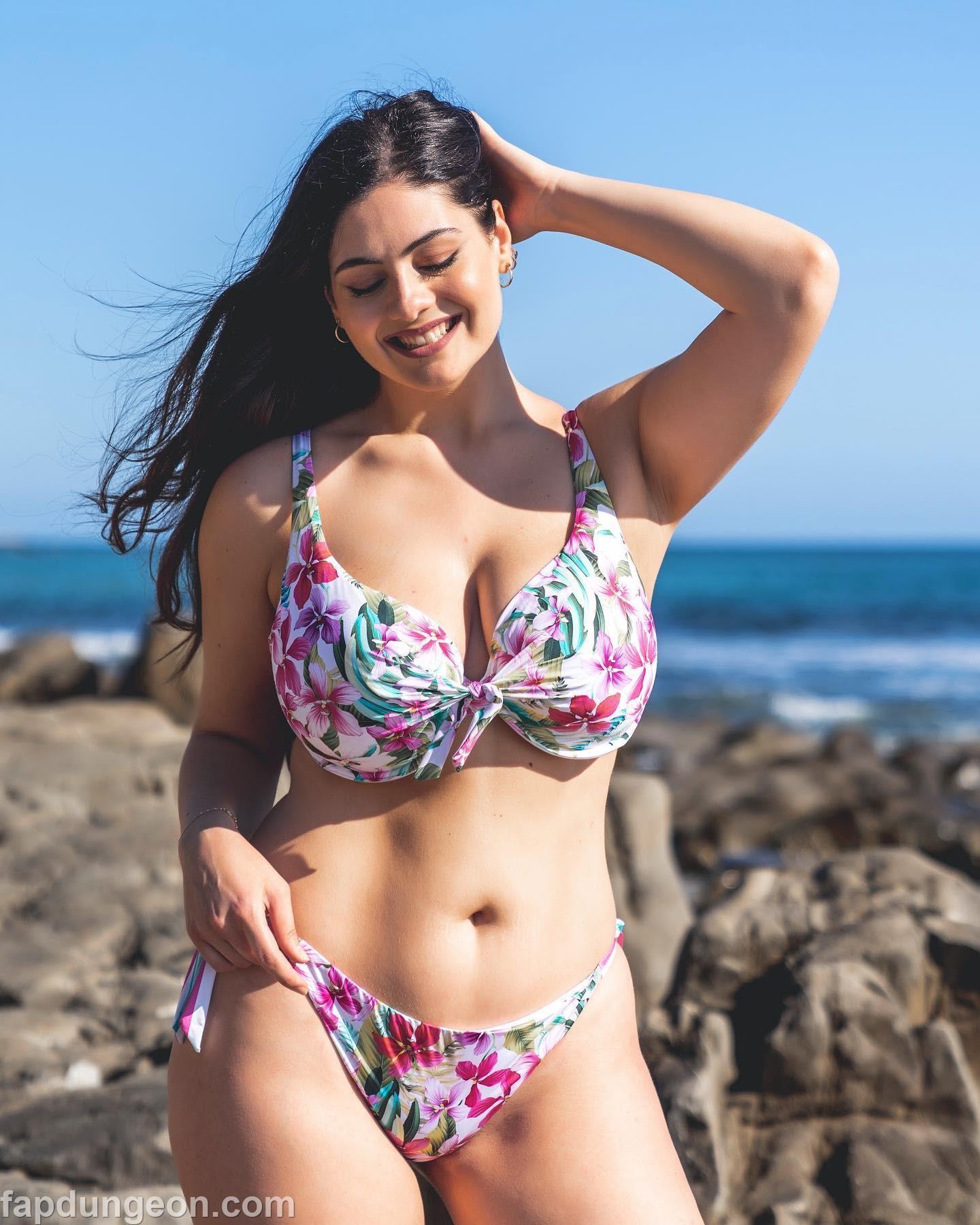 Paola Torrente Boobs