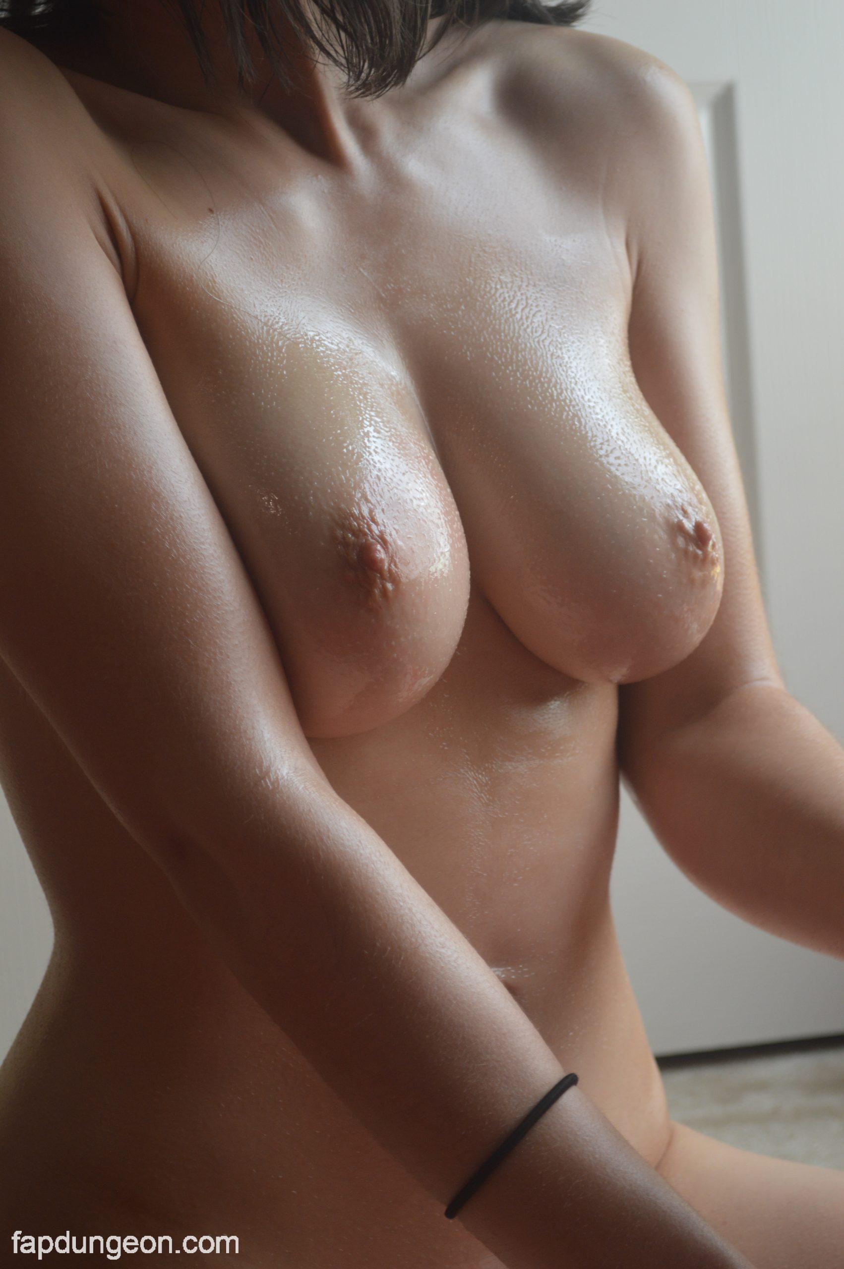SexyFlowerWater Tits