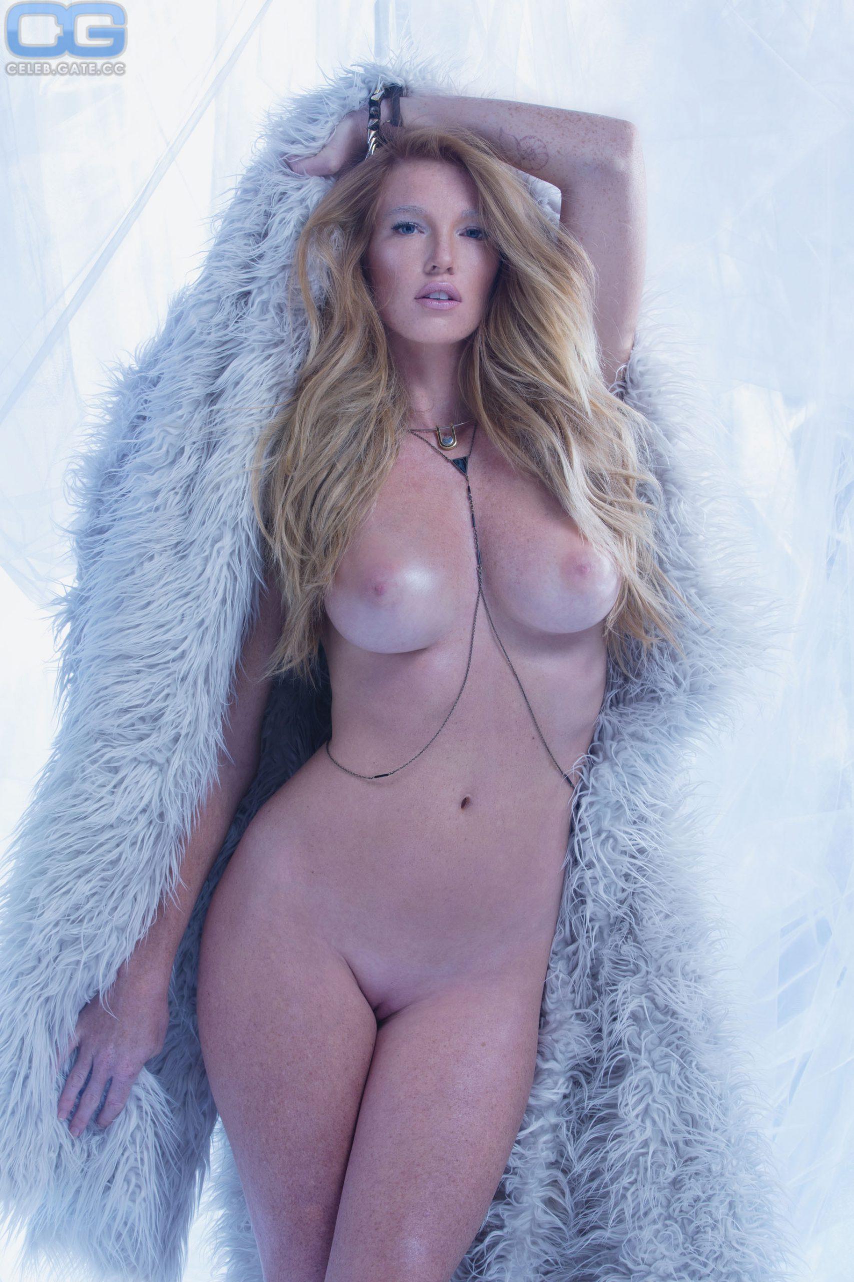 Elizabeth Ostrander Naked