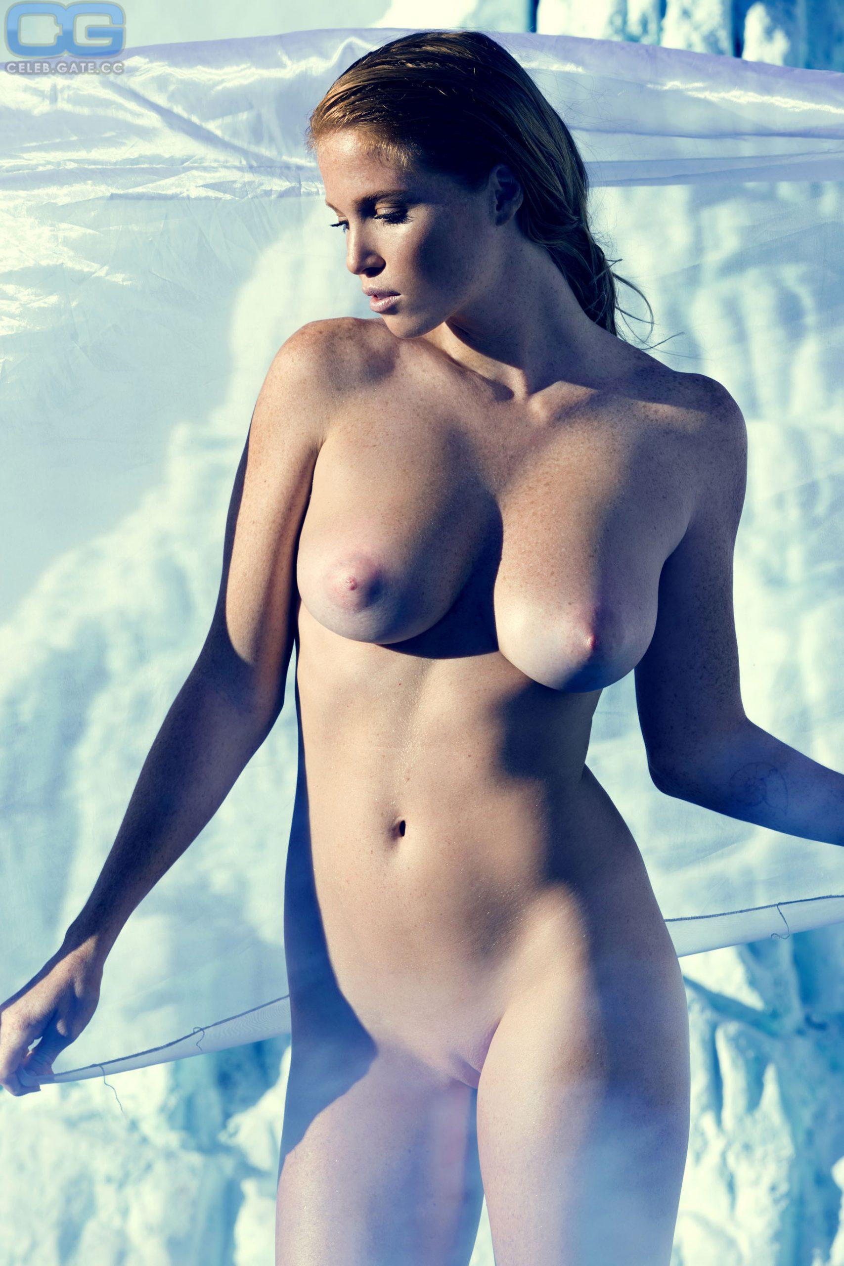 Elizabeth Ostrander Nudes